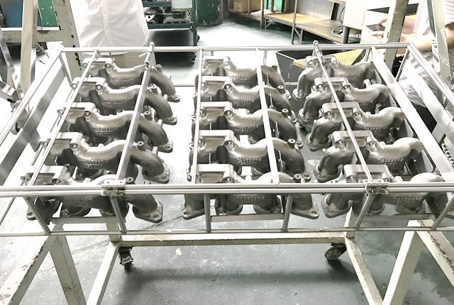 不锈钢排气管使用水性清洗剂除油除灰案例-汽车发动机排气管清洗